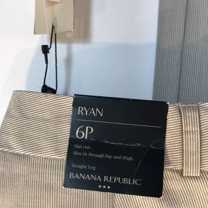banana republic Ryan khakis -NWT